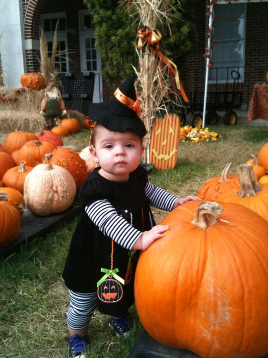 Lilah at the pumpkin patch